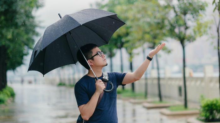 What is a reliable weather almanac?