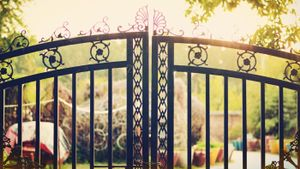 How Do You Paint Wrought Iron Gates?