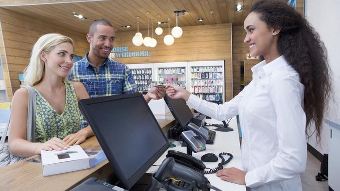 What Are Some Good Ways to Learn How to Run a Cash Register?