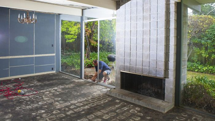 How do you repair a sliding glass door?