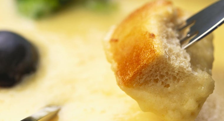 Where Can You Find Easy Recipes for Cheese Fondue Online?