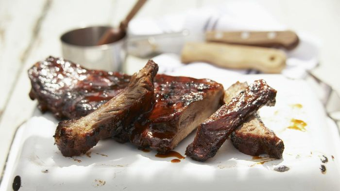How Do You Slow Cook Beef Ribs?