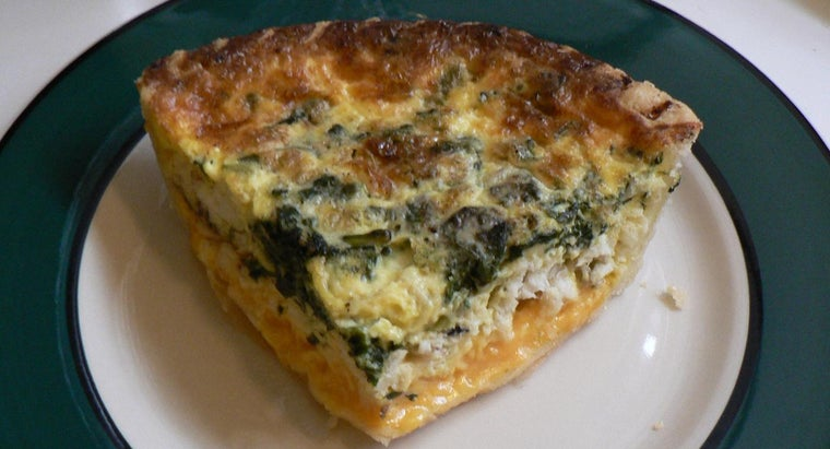 What Is an Easy Recipe for Spinach Quiche?