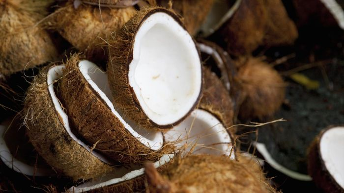What Are Some Beauty Uses for Coconut Oil?