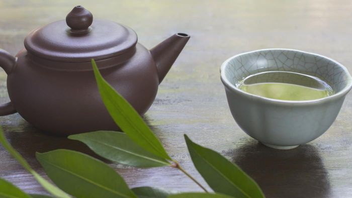 What is the best liver detox home remedy?