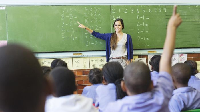 What Is the Average Pay Scale for a Substitute Teacher?