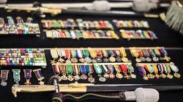 Where Is a Chart That Shows Military Medals in Order?