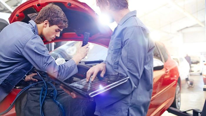 What Does Mechanic Insurance Usually Cover?