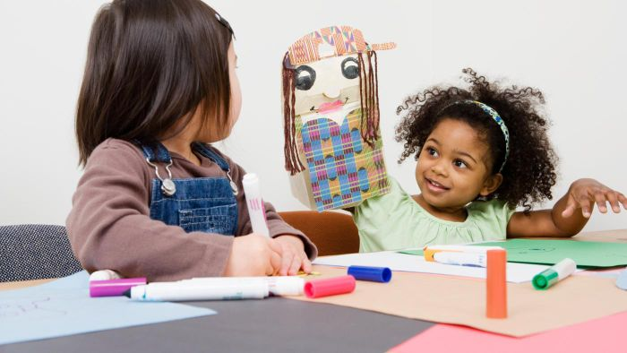 What Are Some Easy Crafts for Kids?