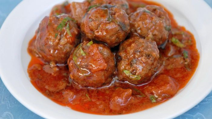 What Are Some Easy Oven Baked Meatball Recipes?