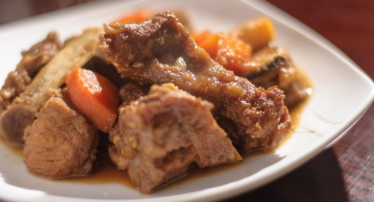 What Is a Recipe for Beef Short Ribs in a Crock Pot?