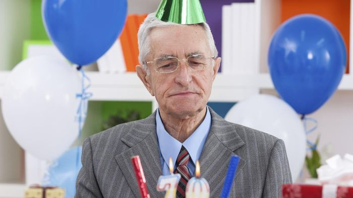 What Are Some Funny Birthday Quotes to Use for Men?
