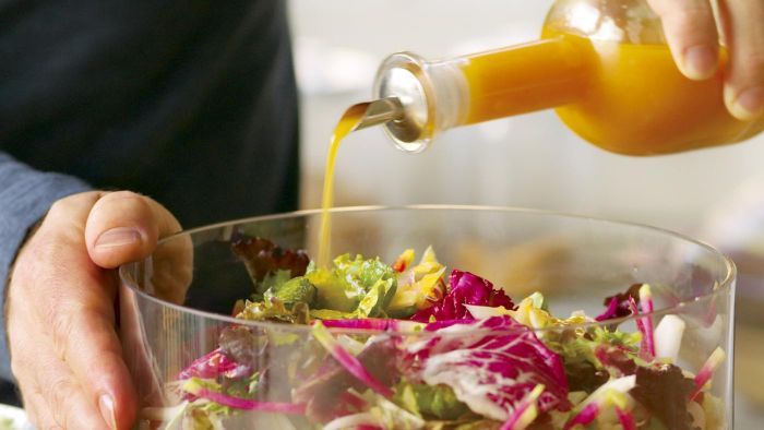 What Is a Simple Salad Dressing Recipe?