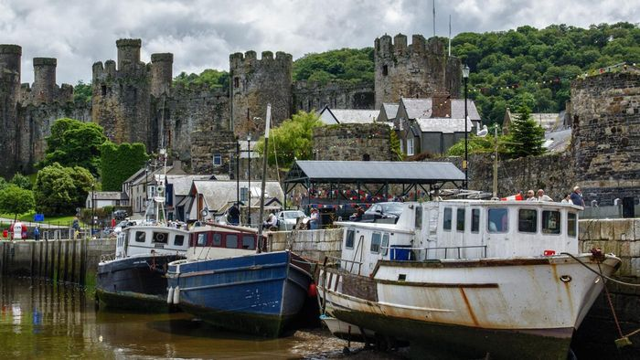 Where Can You Find Tourist Maps of Wales and England?