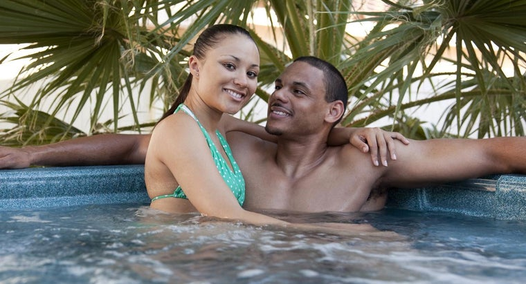 What Are Some Popular Hot Tub Manufacturers?