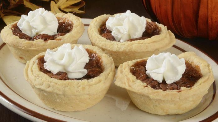 What Is an Easy-to-Follow Mini Pecan Tarts Recipe?
