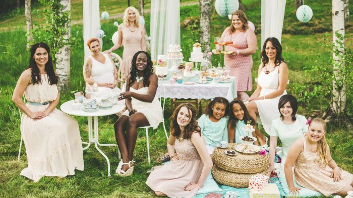 What Is Considered Good Etiquette When Hosting a Bridal Shower?