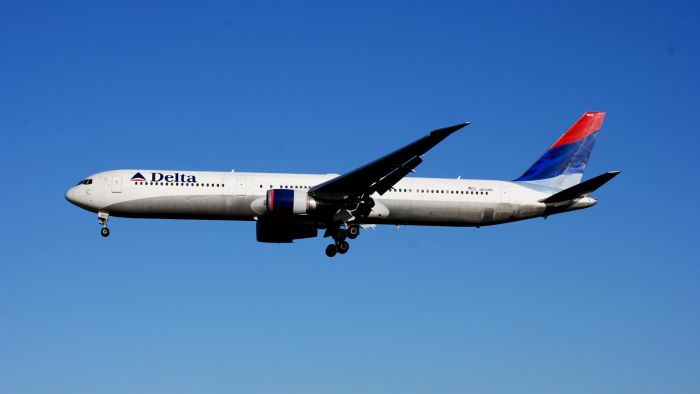 What Technology Does Delta Use to Track Its Flights?