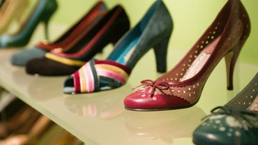 What Types of Women's Shoe Styles Does Dillard's Carry?