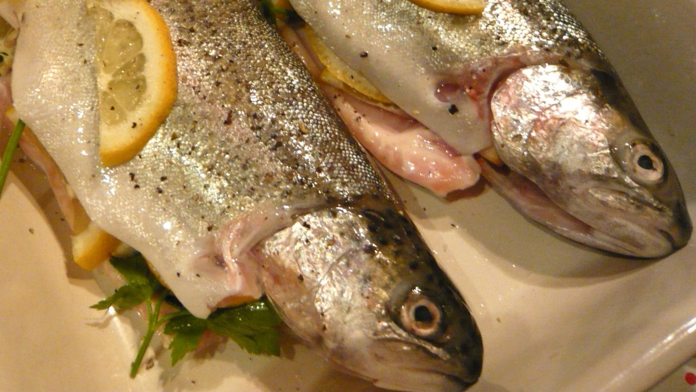 What Is a Recipe for Oven Baked Trout?