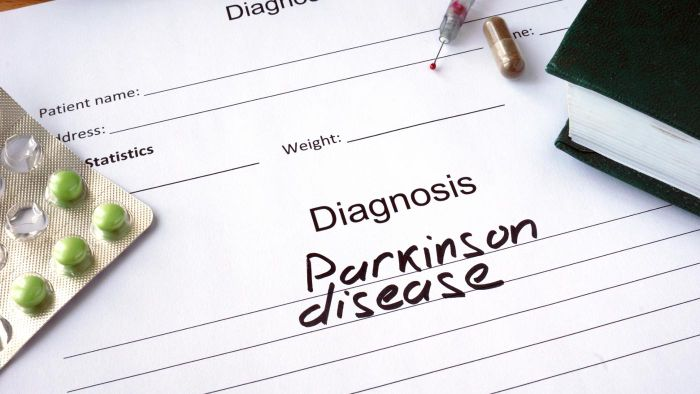 What Are the Early Symptoms of Parkinson's?