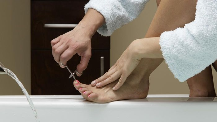 What Causes White Spots on Toenails?