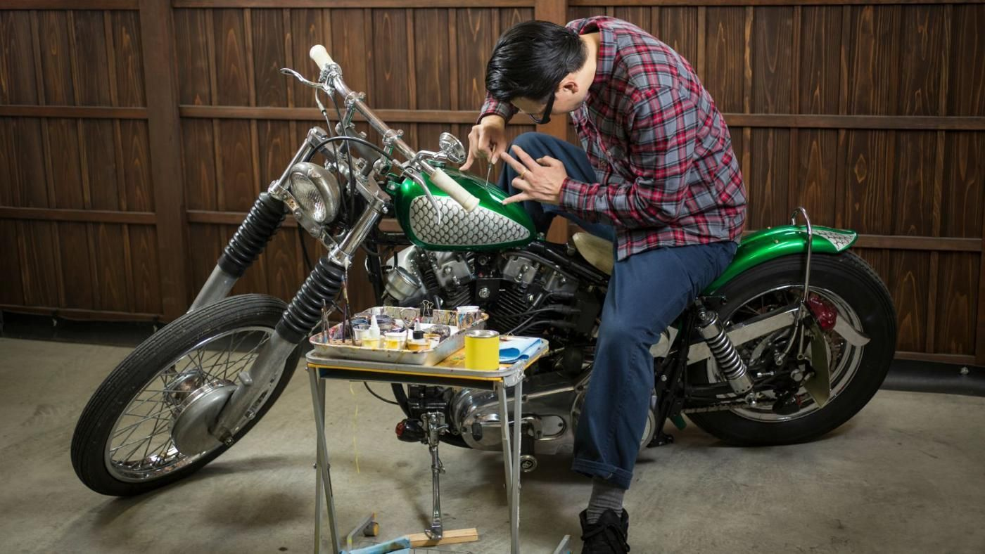 How much do custom motorcycle paint jobs usually cost for How much for a paint job