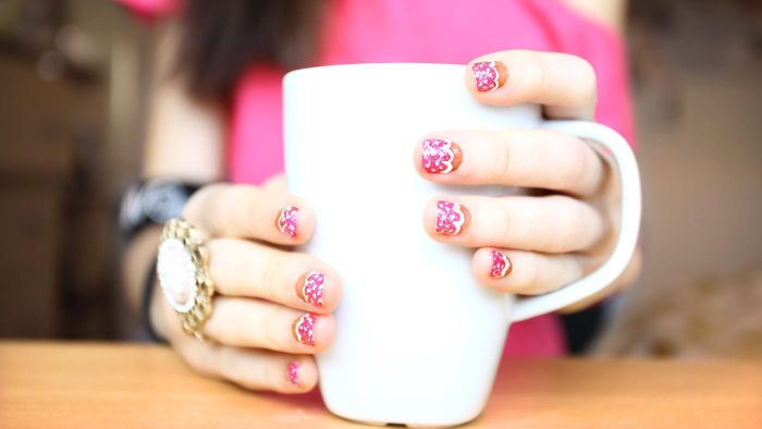 What Are the Characteristics of Nail Art?