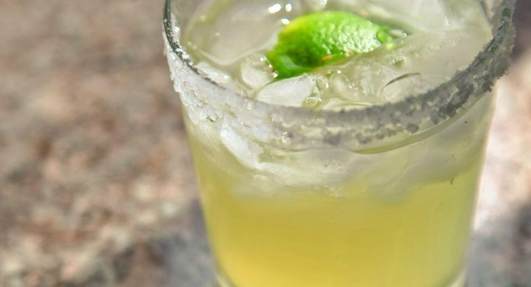 What Is the Recipe for a Traditional Margarita?