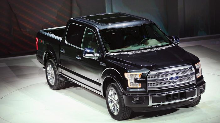 What vehicles were affected by the Ford airbag recall?