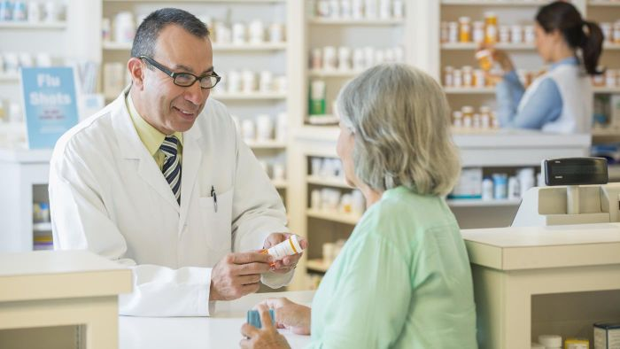 What are some common pharmacy jobs?