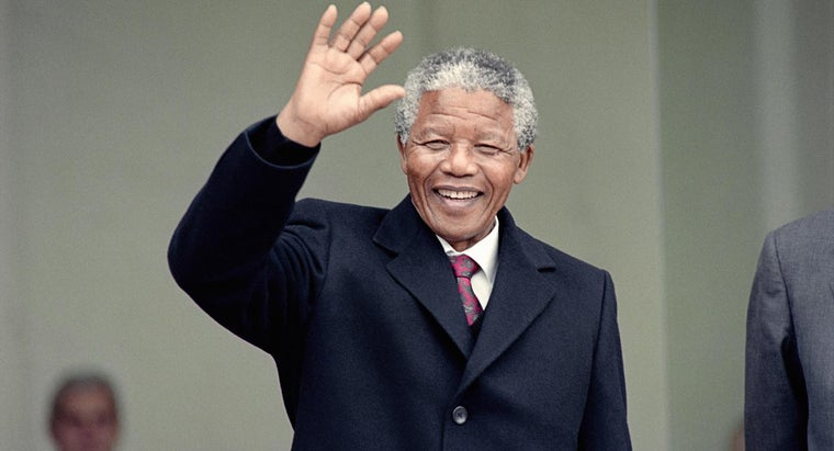 What Are Some Key Points Early in Nelson Mandela's Life?