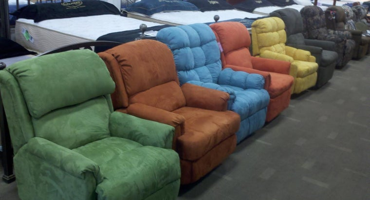 What Are Some Recliner Chairs With Positive Customer Reviews?
