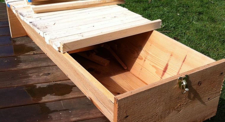 How Do You Build a Top-Bar Beehive?