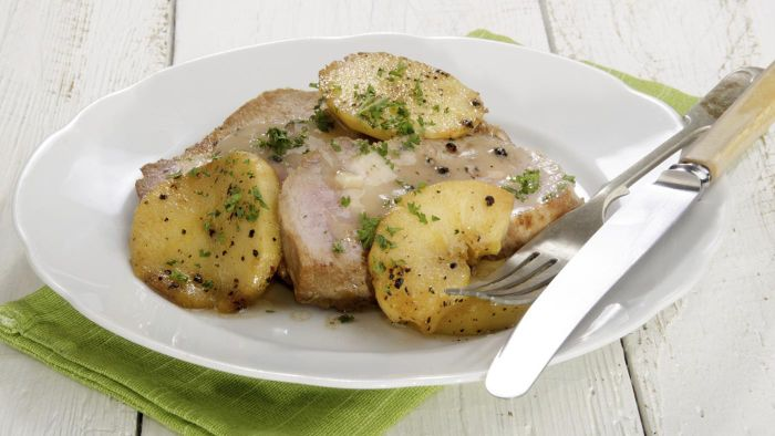 What Is an Easy Recipe for Baked Pork Chops That Includes Apples?