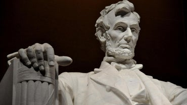 What Are Some Facts About Abraham Lincoln?
