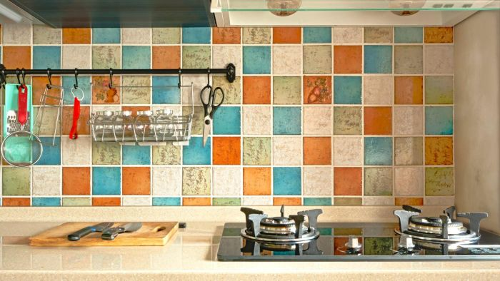 What Is the Way to Install a Tile Backsplash?