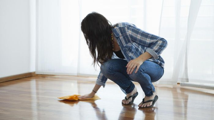What Are Some Effective Methods of Cleaning Hardwood Floors?