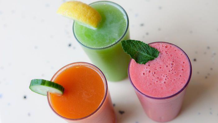 What Are Some Healthy Fruit Smoothie Recipes?