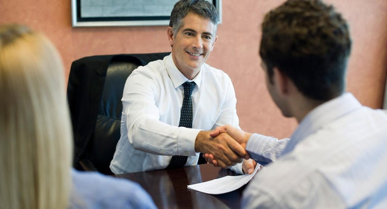 What Are the Requirements to Get an Insurance Agent Job?