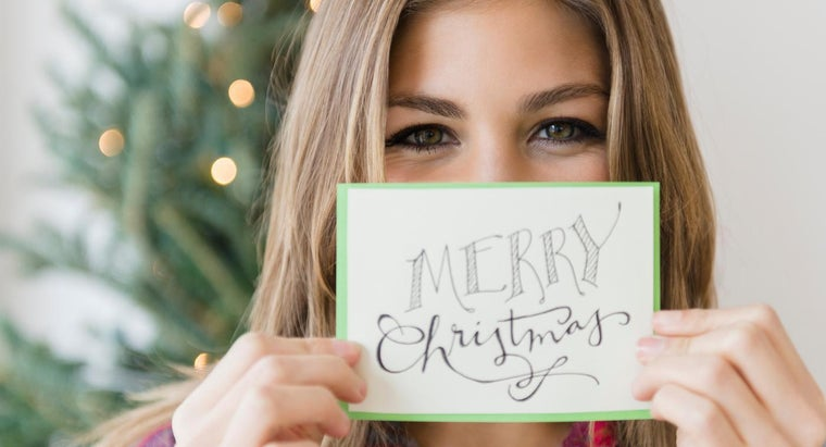 What Are Some Good Wordings for a Holiday Greeting Card?