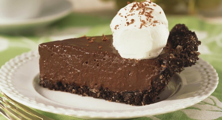 What Is an Easy No-Bake Chocolate Pie Recipe?