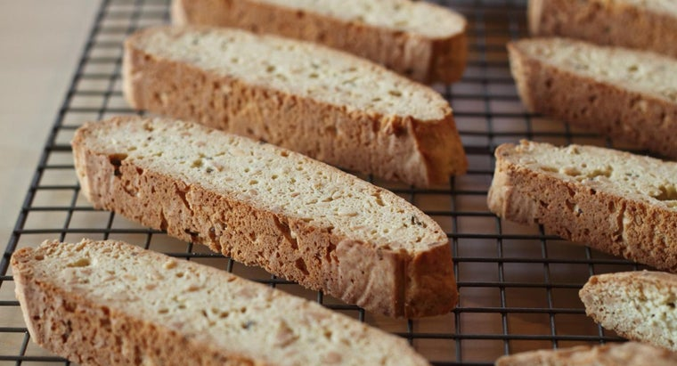 What Is a Recipe for Almond Biscotti?