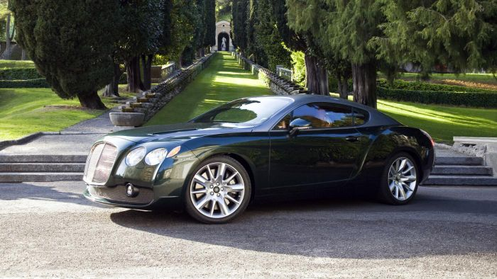 What Brokers Handle Pre-Owned Bentley Auto Sales?