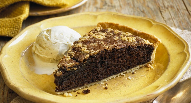 What Is a Simple Recipe for Amish Shoo Fly Pie?