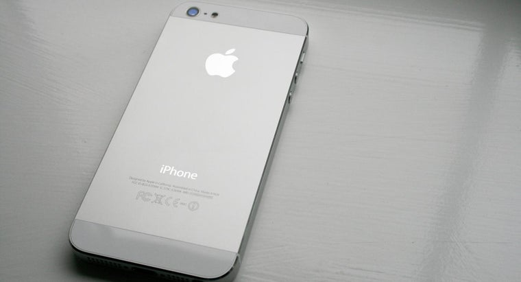 What Are Some Differences Between the IPhone 5 and 6?