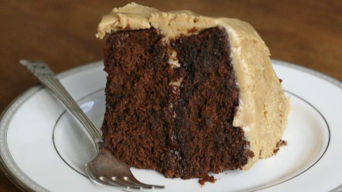 What Are Some Good Recipes for Homemade Caramel Frosting?
