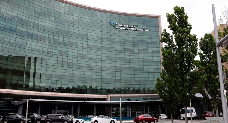 How Do You Contact the Cleveland Clinic?