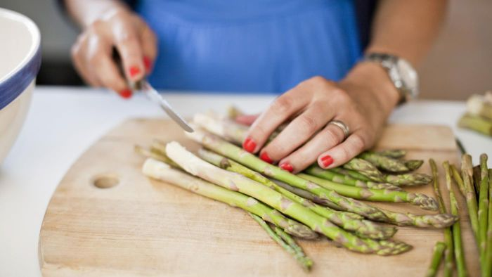What Is an Easy Asparagus Recipe?