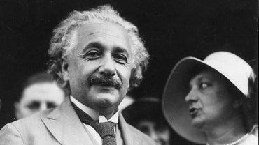 What Are Some Key Albert Einstein Facts for Kids?